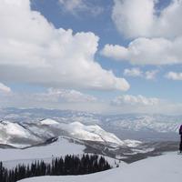 "Skiing in beautiful Utah, photo by <a href=""http://www.flickr.com/photos/37418034@N00/214149995/"" target=""_blank"">cedartones</a> on Flickr.com"