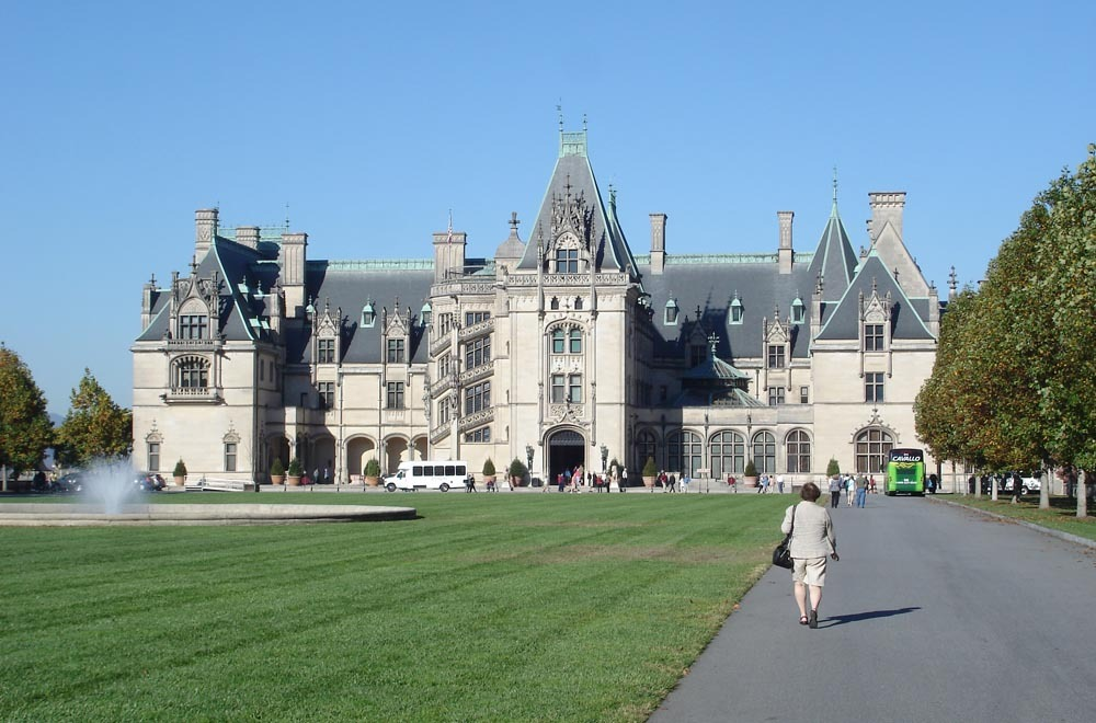 Biltmore estate trophy room pictures to pin on pinterest for Is biltmore estate haunted