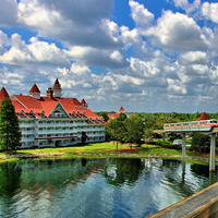 "Grand Floridian at DisneyWorld, photo by <a href=""http://www.flickr.com/photos/expressmonorail/2708745974/"" target=""_blank"">Express Monorail</a> on Flickr.com"